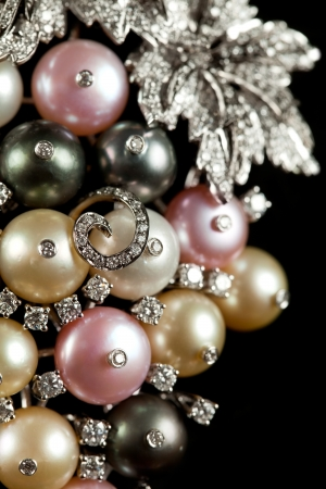 Close up of diamond necklace with Perls on black background Stock Photo - 14609194