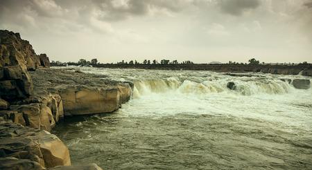 madhya pradesh: Panoramic view of beautiful river with many waterfalls and high tides, sahashtradhara water fall at mandala, Madhya Pradesh india Stock Photo