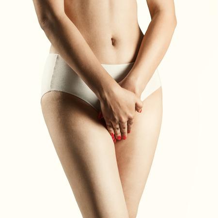 femme se deshabille: Corps sexy de femme indienne