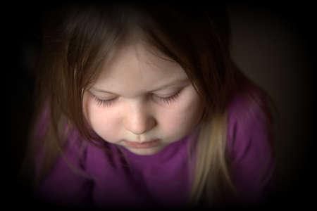 verdrietig meisje: Verdrietig meisje Stockfoto