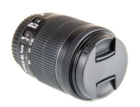 soumis: Sujet photographie. 18-55mm Lens, isolé sur fond blanc.