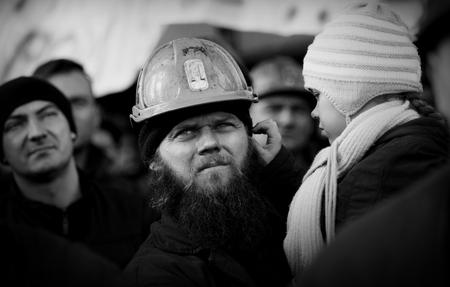 mineros: Omontowice, Polonia - La protesta de Acci�n de huelga de los mineros de Silesia y sindicalistas en KWK Budryk contra la liquidaci�n de la mina en Silesia, en relaci�n con el plan de gobierno para el Jastrz?bie Carb�n-Empresa