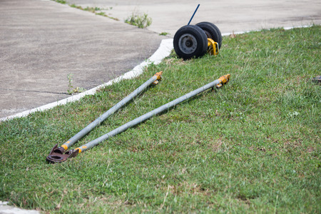 helicopter pad: hydraulic wheel and tow bar for move helicopter