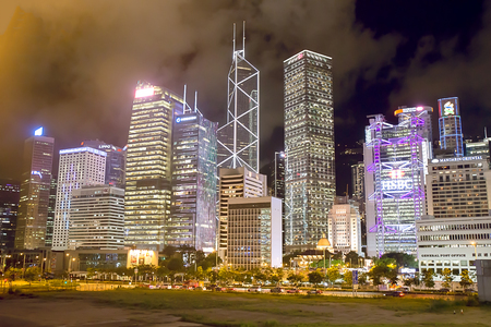 Central, Hong Kong - july 14, 2017. Hong Kong landmark night scene. Central business district  is the commercial and business centre of a Hong Kong Imagens - 98326797