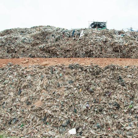 landfill site: Molti dei Garbage, inquinamento, riscaldamento globale