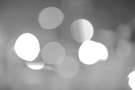 gray bokeh from night light Standard-Bild - 109998338