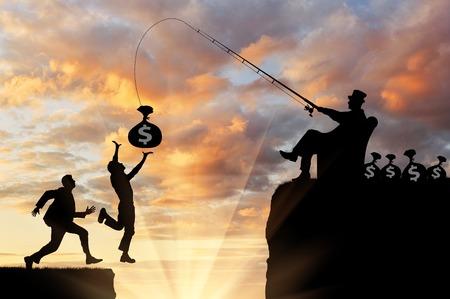Wettbewerb und Gier. Menschen laufen nach Geld, reicher Mann, fallen in den Abgrund Standard-Bild