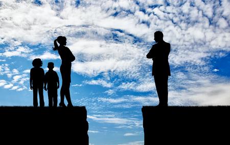 Conflict en echtscheiding in het gezin. Verdeling van kinderen tussen ouders bij echtscheiding Stockfoto