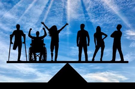 Invalidi uguali in diritti in bilico con persone sane. Il concetto di sociale b uguaglianza giuridica delle persone con disabilità nella società