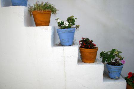Las macetas sobre las medidas - la isla Paros, Grecia