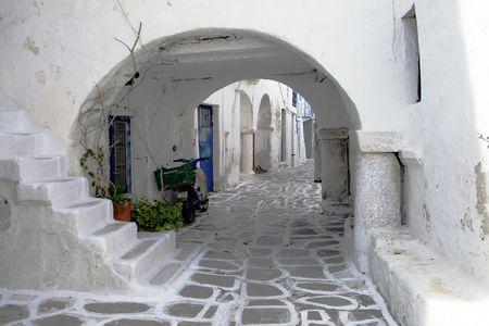 Casas blancas en la isla de Paros, Grecia  Foto de archivo