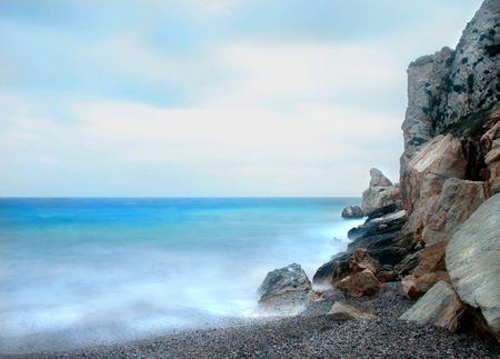 Foto larga de la exposici�n - playa de Kakia Thalassa cerca de Atenas, Grecia