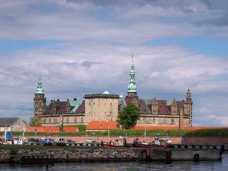Kronborg en la ciudad de Helsingor, Dinamarca  Foto de archivo