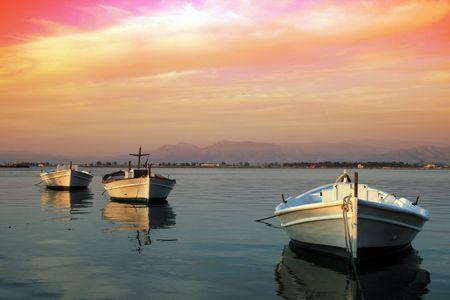 Barcos de pesca tradicional griego-Nauplio, Grecia