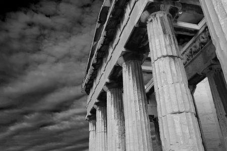 Atenas, Grecia - Negro foto en blanco y del Templo de Hefesto en la antigua ágora de Atenas  Foto de archivo - 2264110