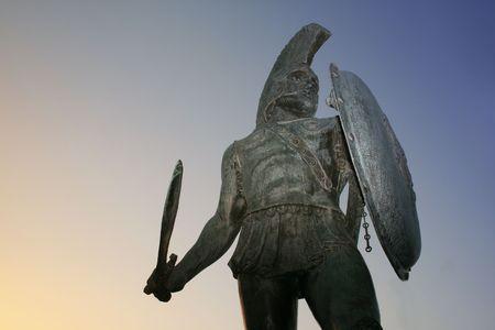 guerrero: Esparta, Grecia. Estatua del rey Leonidas en la ciudad de Esparta, Grecia