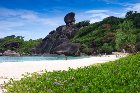 Beautiful sea and blue sky at Similan island, Andaman sea, Thailand Standard-Bild