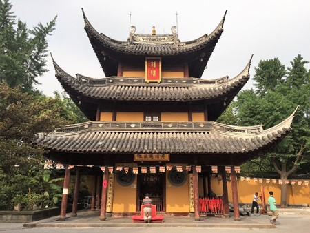 Shanghai China - May 31 2015. Bell tower of a buddhist temple Редакционное