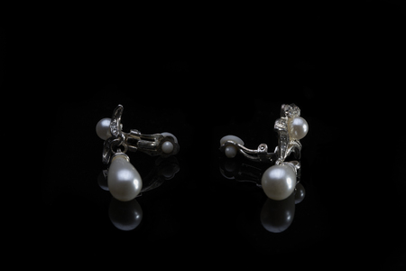 jewerly: Jewerly clips with pearls