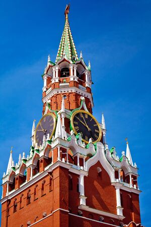 spasskaya: The Spasskaya Tower is the main tower with a through-passage on the eastern wall of the Moscow Kremlin situated on Red Square in Moscow, Russia
