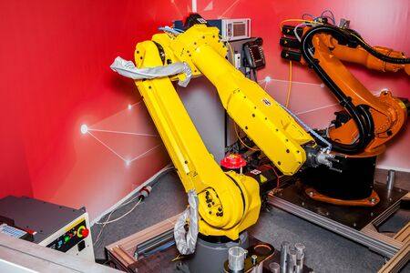 payload: Latest generation six-axis medium to medium-high payload, high-perfomance family of industrial robots