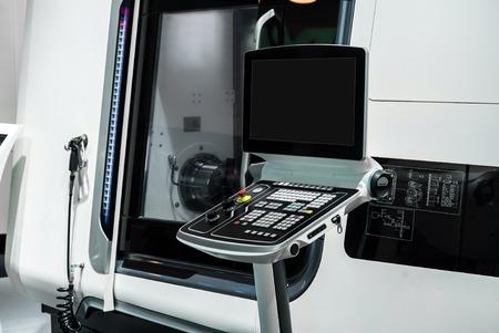 5-assige frezen en draaien CNC machine Stockfoto