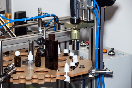 sealing: Ampoule filling and sealing machine