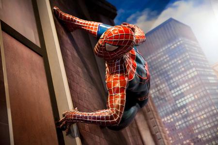 Amsterdam, Países Bajos - Marzo, 2017: Spiderman Marvel cómics en Madame Tussauds Wax museum en Amsterdam, Países Bajos