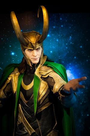 Figura de cera del personaje de ficción Loki de los cómics estadounidenses en el museo de cera Madame Tussauds en Amsterdam, Países Bajos Editorial
