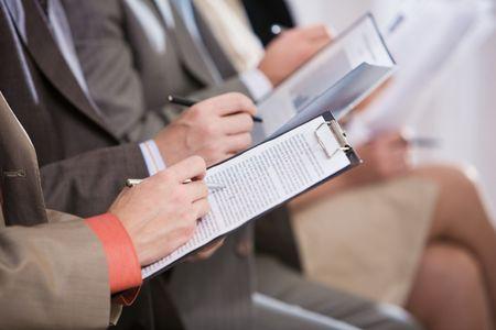 curso de formacion: Close-up de la fila de manos de toma notas durante la conferencia o convenci�n Foto de archivo