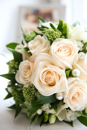 marriageable: Close-up of rose bouquet decorated with pearls and other decorative flowers and plants Stock Photo