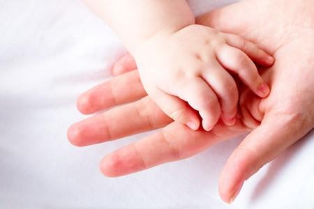 bebes recien nacidos: Imagen del beb� reci�n nacido entregar Palma femenina