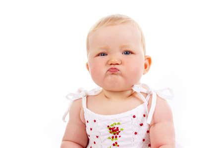 fantasque: Portrait de petite fille avec expression fantaisiste regardant cam�ra