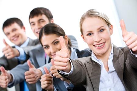 Portrait of Business People geben die Thumbs-Up-Zeichen Standard-Bild - 8357361