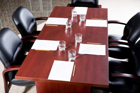 conferencia de negocios: Imagen de la sala de conferencias de negocios vac�a antes del seminario