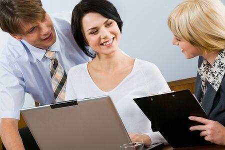 trabajando duro: Seguros de profesionales est�n trabajando duro para que su negocio tenga �xito