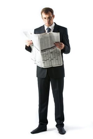 periodicos: Imagen vertical del peri�dico de lectura de jefe exitosa en estudio Foto de archivo
