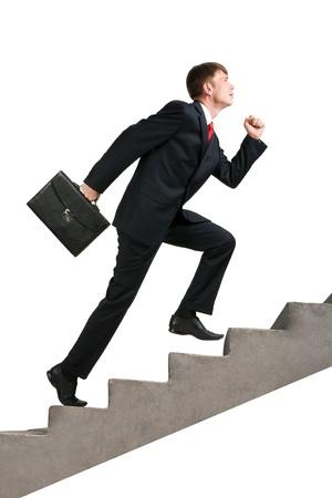 maletas de viaje: Imagen de hombre de negocios seguro con Malet�n caminando arriba