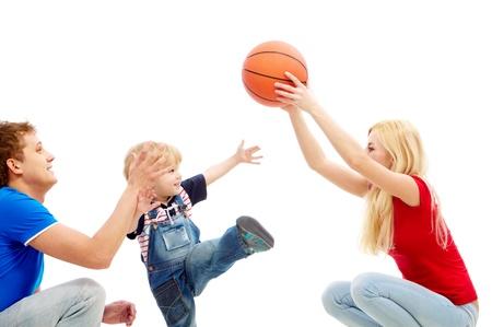 Imagen de mam� y pap� jugando con su hijo   Foto de archivo - 9319392