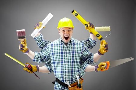 reparaturen: Portr�t von Geschrei Handwerker mit verschiedenen Tools in sechs H�nden