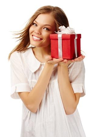 cara sorpresa: Imagen de feliz celebraci�n femenino rojo giftbox Foto de archivo
