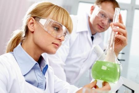 laboratorio clinico: Qu�mico en el trabajo