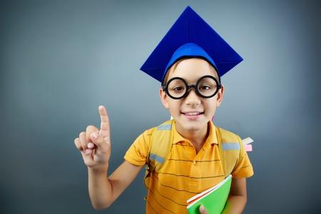 コピーブック カメラ目線で幸せな少年のポートレート