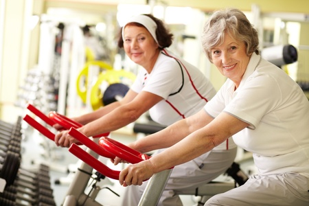 Portrait of two senior women in gym Stock Photo - 10723597