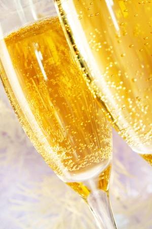 clinking: Macro imagen de dos copas de champ�n