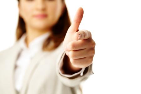 dedo indice: Foto de la mano de la mujer con el dedo índice apuntando a que Foto de archivo
