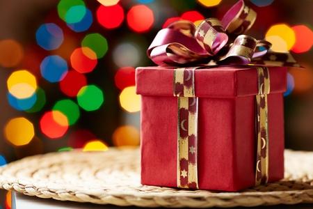 natale: Image of Christmas giftbox on wattled tray