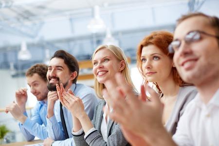 そのリーダー会議、フォア グラウンドでされていると、ビジネス チームのイメージ