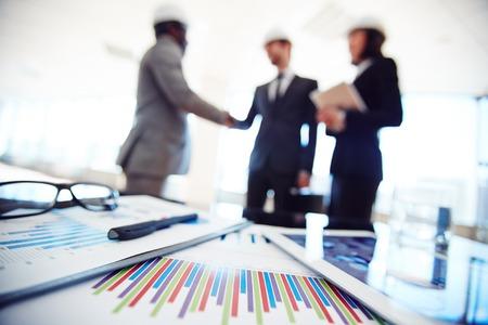 Los documentos comerciales y touchpad en el entorno de trabajo