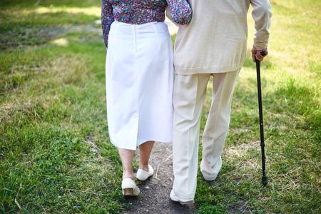 senioren wandelen: